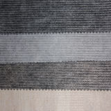 Scrivere tra riga e riga di cucito del tessuto non tessuto del legame chimico