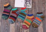 Носки для носки в стиле ретро личности женщин Sock цветными узорами яркие жаккард лодыжки носки