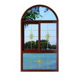 Прикрепленное на петлях алюминием половинное окно круга с по-разному стеклянными цветами