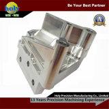 Alumínio complicado do CNC de 4 linhas centrais que faz à máquina as peças fazendo à máquina agradáveis do CNC