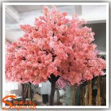 Árbol de cerezos en flor artificial para la decoración de boda