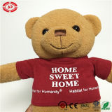 Teddybeer van het Stuk speelgoed van de T-shirt van het huis de Zoete Leuke Gevulde Dragende