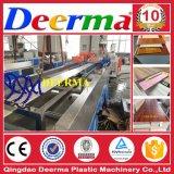 Le WPC decking en plastique de bois/clôture/panneau mural/post-Making Machine WPC Machine Profil