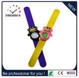 Relojes Muñeca-Gastados de la palmada de Spongebob de los relojes de los cabritos para los cabritos y las muchachas
