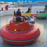 Carro abundante no gelo com o pneumático de borracha para adultos na venda