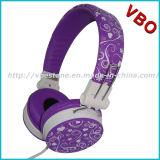 O auscultadores do estúdio do fone de ouvido do auscultadores parte o auscultadores estereofónico