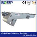 La testa funziona gli schermi di barra meccanici dell'unità di trattamento delle acque delle acque luride