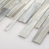 Плитки цветного стекла мозаики относящой к окружающей среде ванной комнаты строительного материала серые