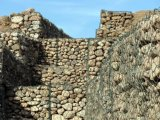Gabionか石造りのケージまたはGabionボックスワイヤーケージの石の壁