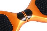 """6.5の"""" Bluetooth/リモートが付いている電気スクーターのバランスをとっている固体タイヤ2の車輪の自己"""