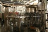 Completar o enchimento de água mineral e máquina de embalagem