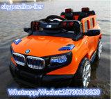El coche moderno del juguete del bebé embroma el coche eléctrico