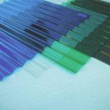 長いスパンカラーのための紫外線上塗を施してある固体波形のポリカーボネートシートは塗った