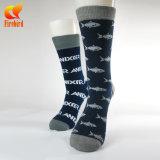 Китай создать свой собственный дизайн хлопка забавные черного цвета с мужчинами трубки носки