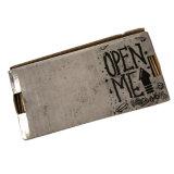 회색 광택 있는 니스로 칠한 로고 인쇄 물결 모양 수송용 포장 상자