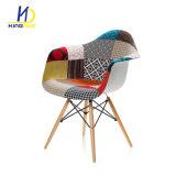 Silla tapizada moderna multicolora de la tela de la butaca que cena la silla