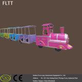 De elektrische Mini Ongebaande Trein van de Speelplaats