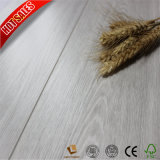 Qualitäts-lamellenförmig angeordneter hölzerner Bodenbelag 8mm
