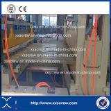 Feuille d'onde de PVC rendant la ligne de l'extrudeuse en plastique