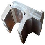 부속을 기계로 가공하는 CNC 도는 부속
