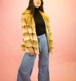 大きいカラーが付いている方法女性冬のオーバーコートのウサギの毛皮のコート