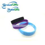 Bracelets de silicone souverains élégant Debossed pour cadeau