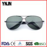 2017 lunettes de soleil polarisées par personnalisation de Ynjn d'usine de la Chine d'hommes (YJ-F8225)
