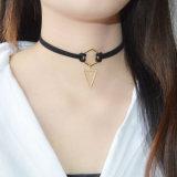 Collane di cuoio nere Pendant del Choker del triangolo della geometria placcate oro