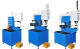 Type s'accrochant des presses 618 d'individu