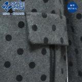 El gris con la Largo-Funda de los Blact-Puntos Da vuelta-Abajo a la capa de la manera de los bolsillos del botón de collar que se calienta