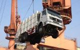 Camion di immondizia caricato posteriore di consolidamento di Sinotruk HOWO 6X4 18m3