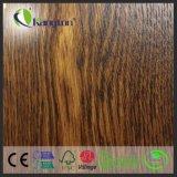 plancher en bois conçu par chêne d'UE d'épaisseur de 15/4mm avec de bonne qualité