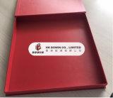 Rectángulo de regalo Shaped del libro rojo lujoso de la insignia de Stampling del oro con el rectángulo de regalo del encierro de los imanes