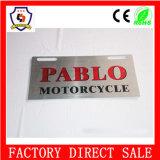 Marco de la placa de la licencia del logotipo realzado