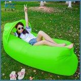 ヘッドサポートが付いている卸し売り速く膨脹可能な空気ソファーの不精な袋
