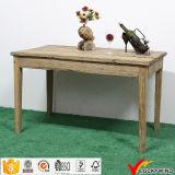 Tabella pranzante di legno dell'oggetto d'antiquariato industriale della mobilia dell'annata della fattoria con la parte superiore ed il banco dello zinco