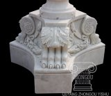 De kleine Marmeren Fontein van de Steen, met Cherubijn en het Standbeeld van de Dolfijn