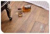 、多層設計された木製のフロアーリングブラシをかけられる、アメリカのクルミ紫外線油をさされる。 3-Layer