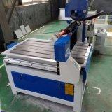 Máquina de gravura de trituração do CNC da mini porta de madeira da mobília 6090