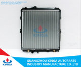 Toyota Kilux Kzn165r 99를 위한 자동 Engine Cooling Radiator에