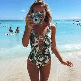 여름 동안 질 까만 한 조각 수영복