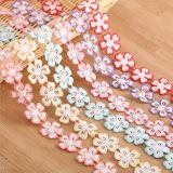 Commerce de gros 3cm Fleur dentelle pour décorations colorées