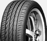Neumático del coche de Farroad