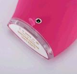 La despedregadora eléctrica de la cara vibra profundamente el cepillo de limpiamiento del silicón