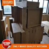 私の近くの現実的な木製のベニヤ台所食器棚