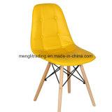 レストランのための椅子のプラスチック椅子を食事する現代木足
