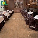 Un revêtement de sol PVC moderne pour toute personne possédant la SGS, Ce, Ios, Floorscore, ISO9001 Changlong Clw-13