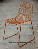 レストランの椅子を食事する金属の庭の余暇のスタック可能側面ワイヤー
