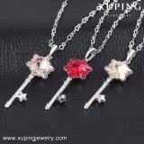 43138 Xuping Color rubí de moda collar hecho con cristales de Swarovski Colgante forma clave