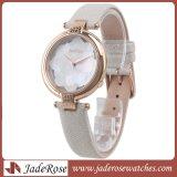 女性の革標準的なレディース・ウォッチ防水服は方法気高い金の女の子の腕時計を見る